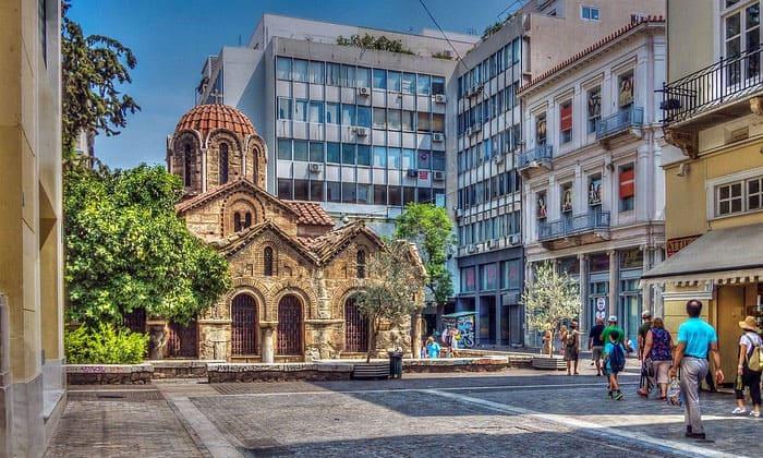Церковь Богородицы Капникареи в Афинах
