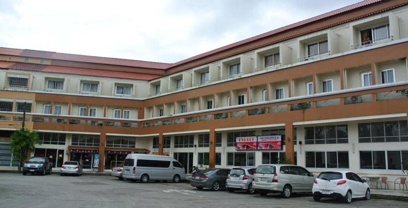Отель Tinidee Inn в Ранонге