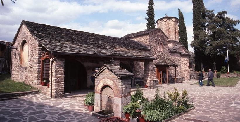 Монастырь Моливдоскепасту в Греции