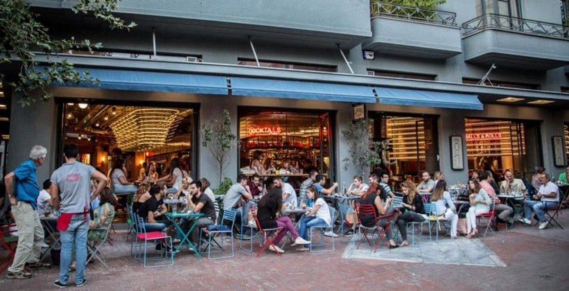 Ночной бар Hopping в Афинах