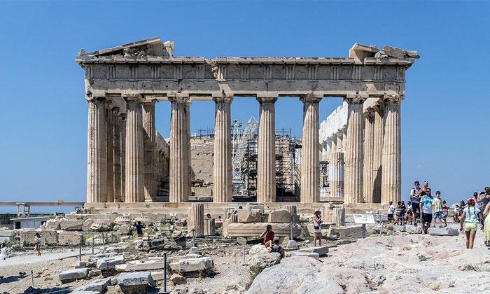 Памятник Парфенон в Акрополе Афин