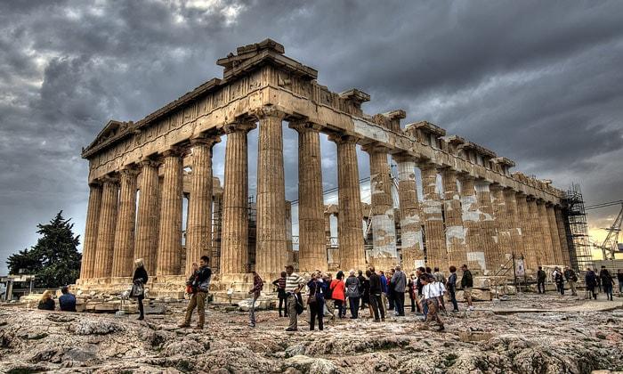 Афинский Парфенон в Греции