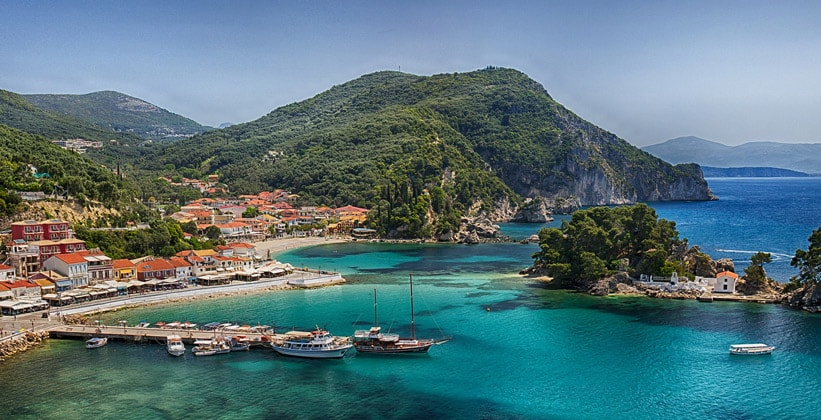 Курортный городок Парга в Греции