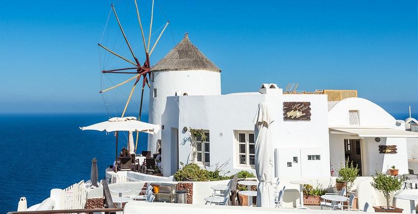 Ресторан Windmill в городе Ия (остров Санторини, Греция)