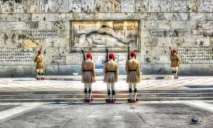 Смена караула Парламента Греции в Афинах