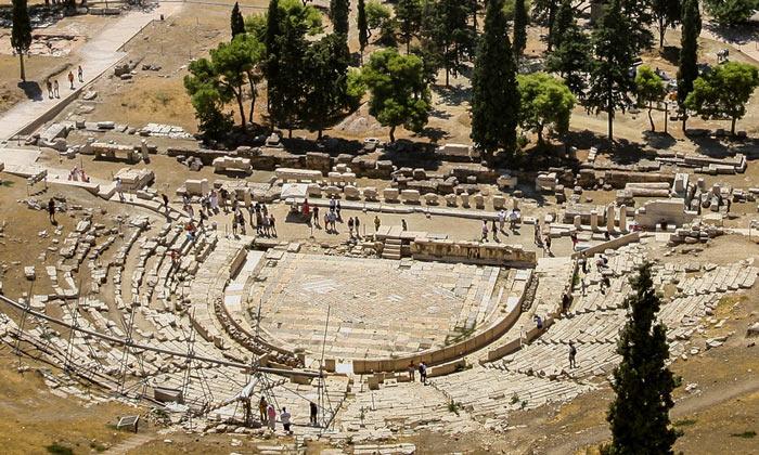 Руины театра Диониса в Афинах