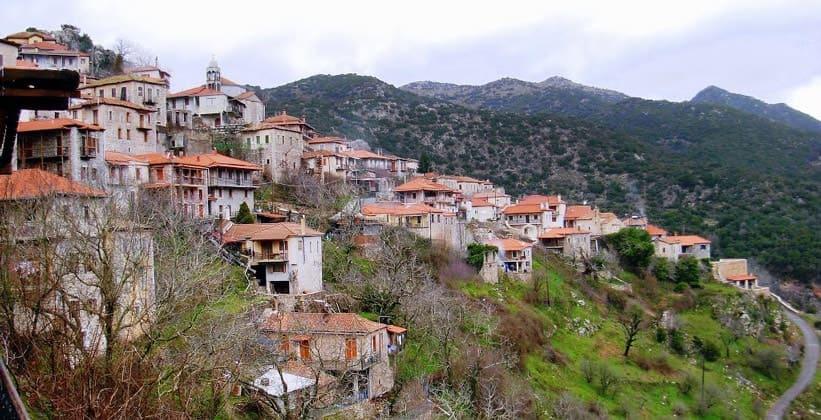 Деревня Стемница в Греции