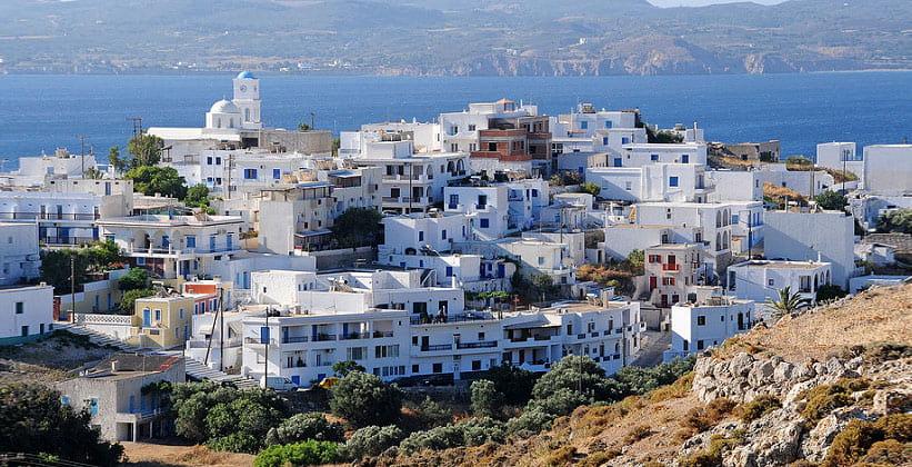Городок Адамас на острове Милос (Греция)