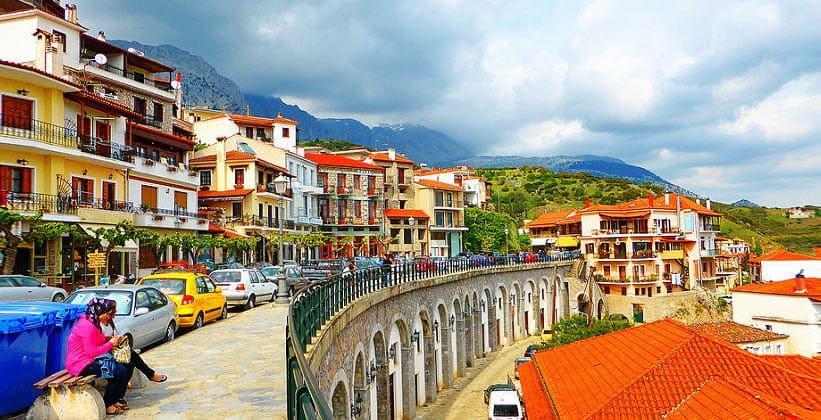 Горный городок Арахова в Греции