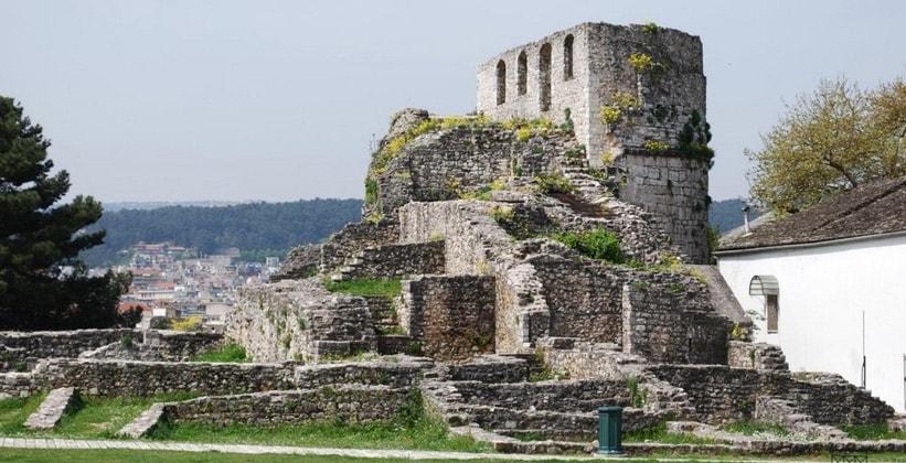 Останки цитадели Кале в Янине (Греция)