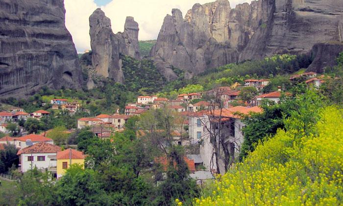 Деревня Кастраки в Греции