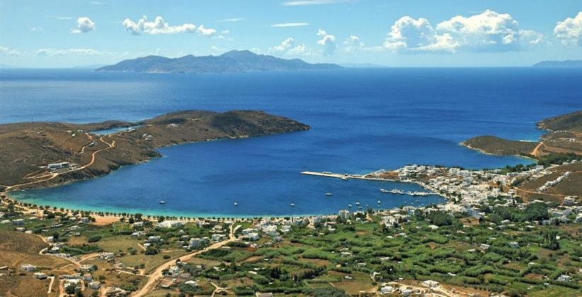 Порт Ливади на острове Серифос (Греция)