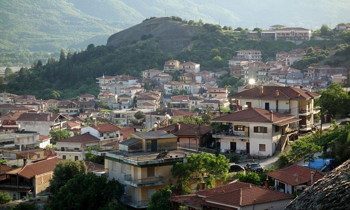 Городок Каламбака в Греции