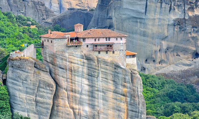 Монастырь Русану в Греции