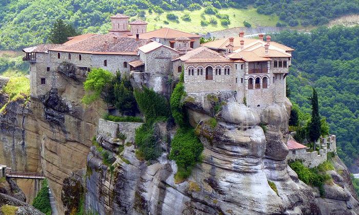 Монастырь Святой Троицы в Греции