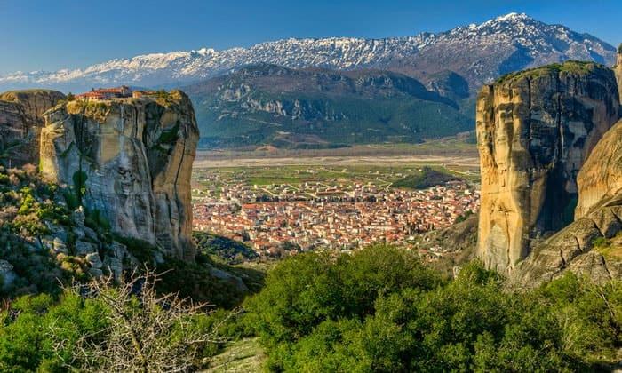 Монастырь Святой Троицы и Каламбака в Греции