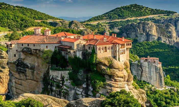 Живописные Метеоры в Греции