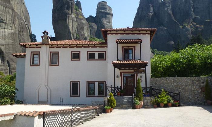 Отель Pyrgos Adrachti в Кастраки