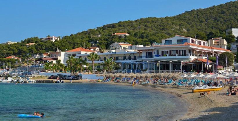 Курорт Скала на острове Ангистрион (Греция)