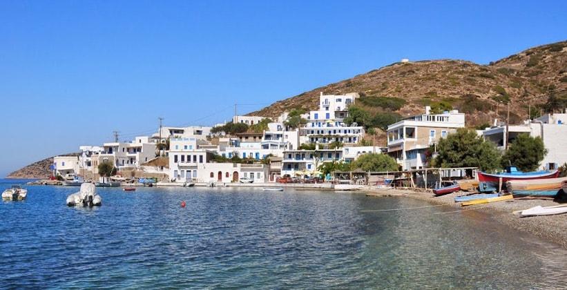 Бухта Катапола на острове Аморгос (Греция)