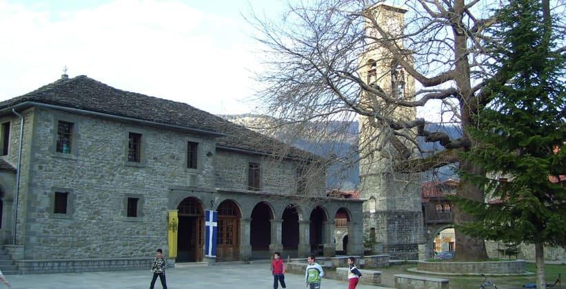 Церковь Святой Параскевы в Мецово (Греция)