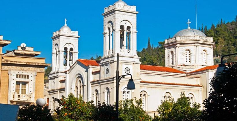 Церковь в городе Ламия (Греция)