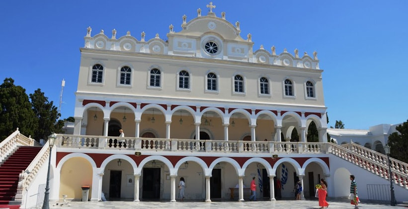 Церковь Благовещения Пресвятой Богородицы в городе Тинос (Греция)