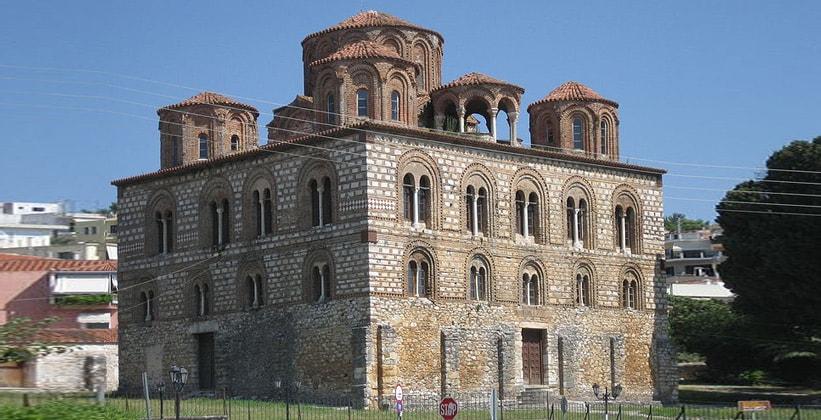 Богородицкая церковь Панайия Паригоритисса в городе Арта (Греция)