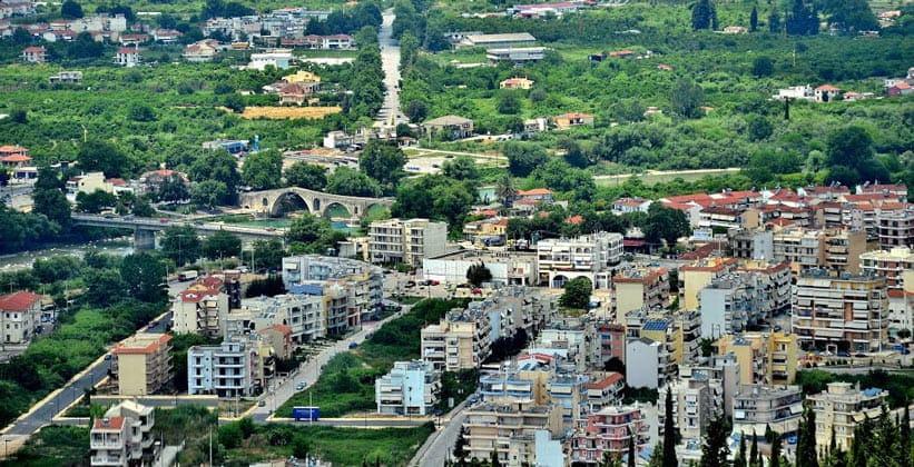 Город Арта в Греции