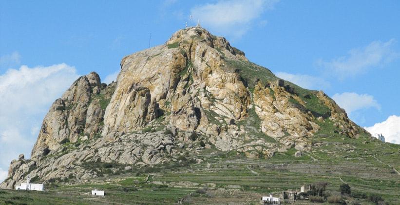 Гора Эксобурго на острове Тинос (Греция)