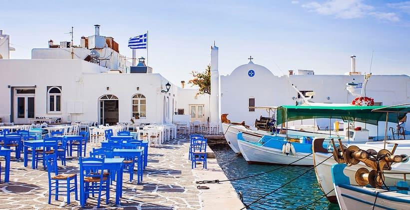 Курорт-порт Науса на острове Парос (Греция)