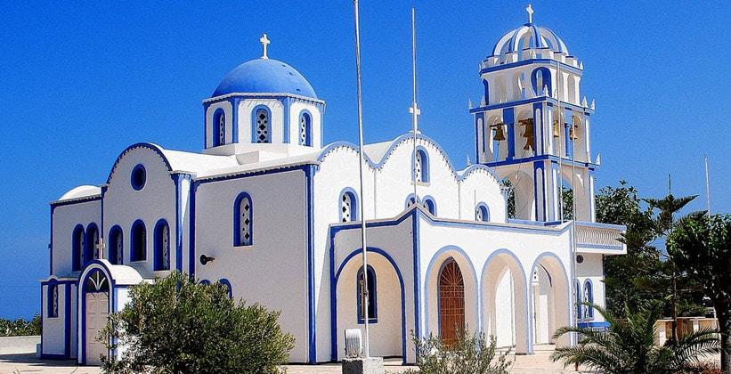 Церковь Nektarios в деревне Камари (Греция)