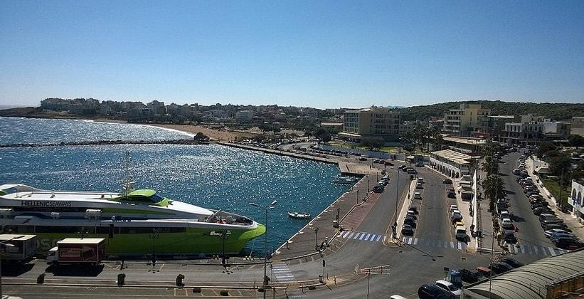 Порт Рафина в Греции