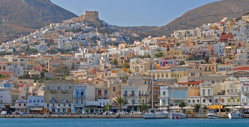 Город Эрмуполис на острове Сирос (Греция)