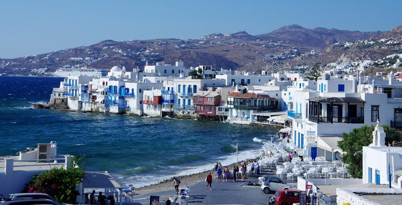 Столица острова – город Миконос (Греция)