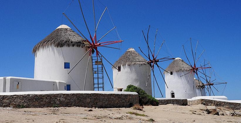 Ветряные мельницы на острове Миконос (Греция)