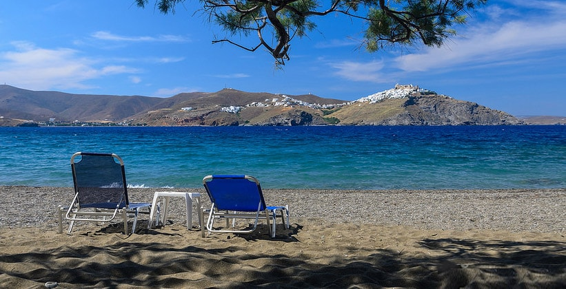 Пляж Aghios Konstantinos на острове Астипалея (Греция)