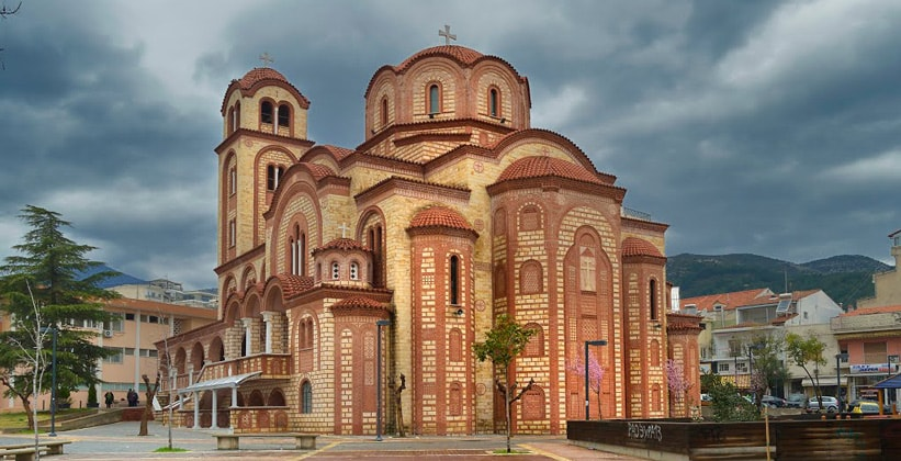Одна из церквей города Ксанти (Греция)
