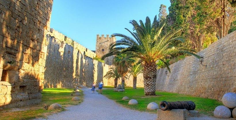 Средневековая цитадель Родоса (Греция)