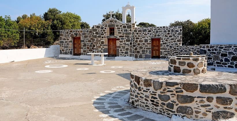 Монастырь Эвангелистра на острове Нисирос (Греция)