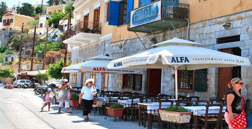 Рыбная таверна Pantelis в городе Сими (Греция)