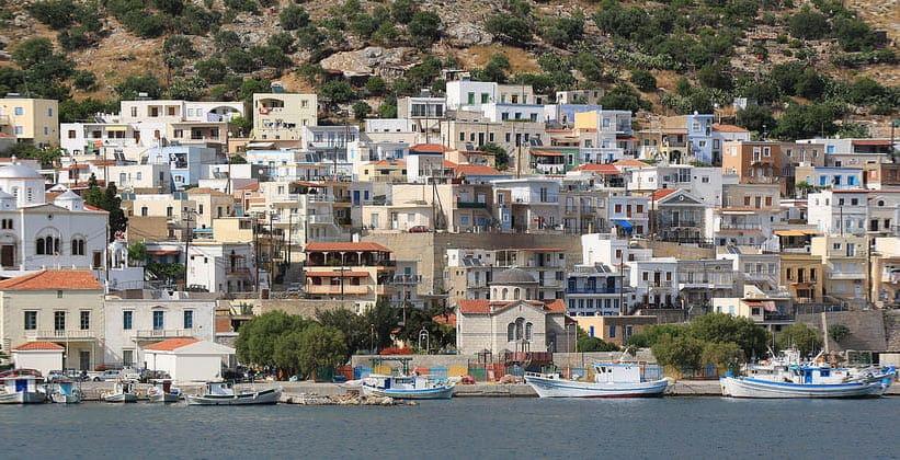 Небольшой порт в городе Потия (Греция)