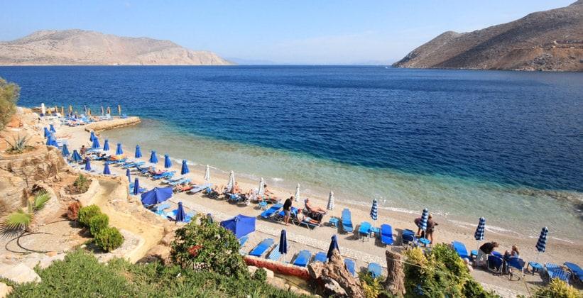 Один из пляжей на острове Сими