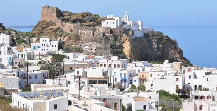 Город Мандраки в Греции