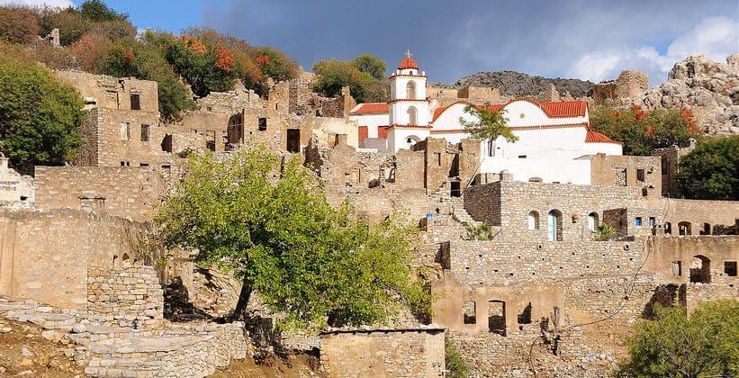 Деревня Микро-Хорио в Греции