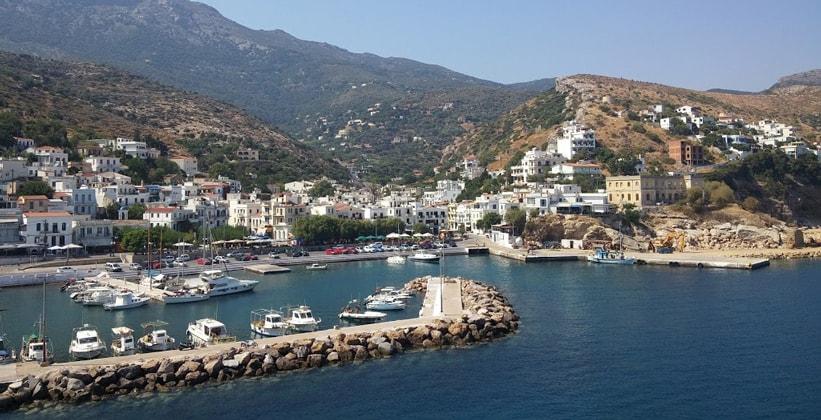 Город Айос-Кирикос на острове Икария (Греция)