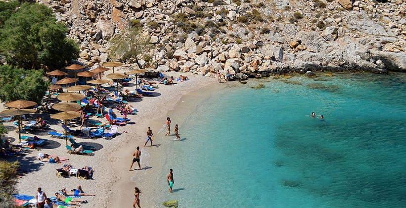 Пляж Glaroi в окрестностях города Хиос (Греция)