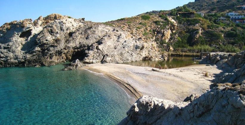Пляж Нас на острове Икария (Греция)