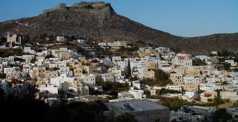 Город Платанос на острове Лерос (Греция)