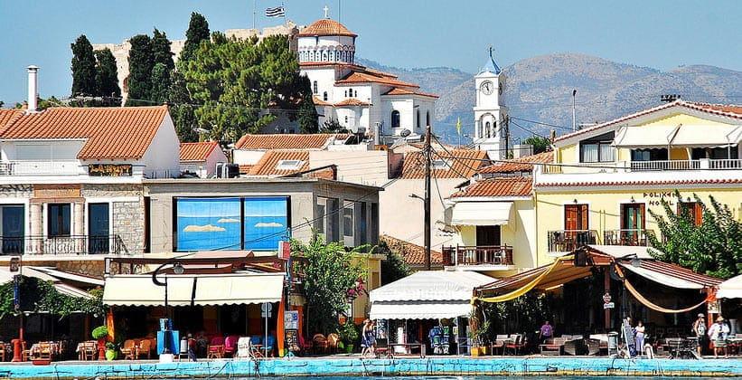 Центральная часть курорта Питагорион на острове Самос (Греция)